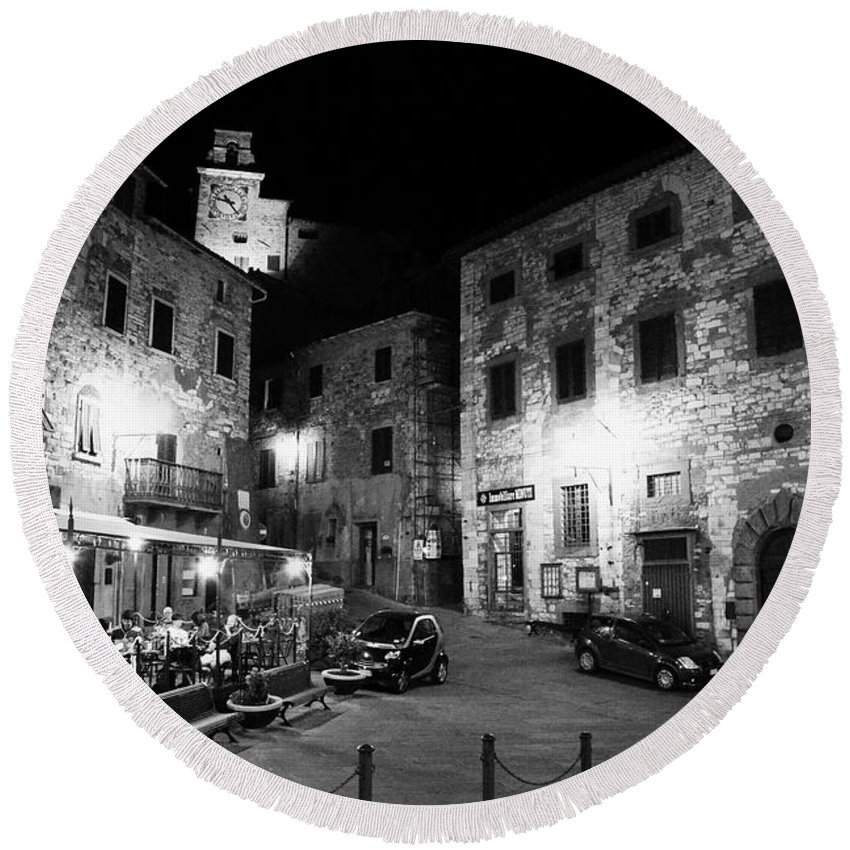 Tuscany Round Beach Towel featuring the photograph Evening In Tuscany by Ramona Matei