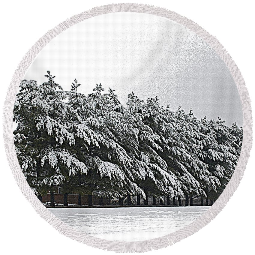 Illinois Round Beach Towel featuring the photograph Evergreens In Snow by Luther Fine Art