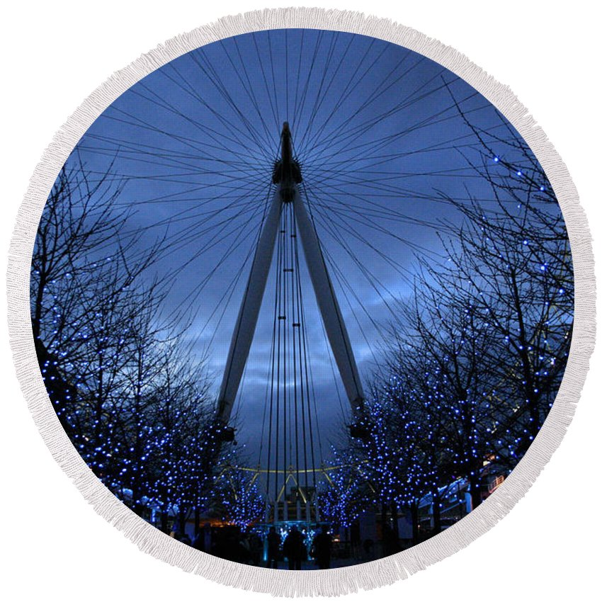 London Round Beach Towel featuring the photograph Eye Of The Storm by David Rucker