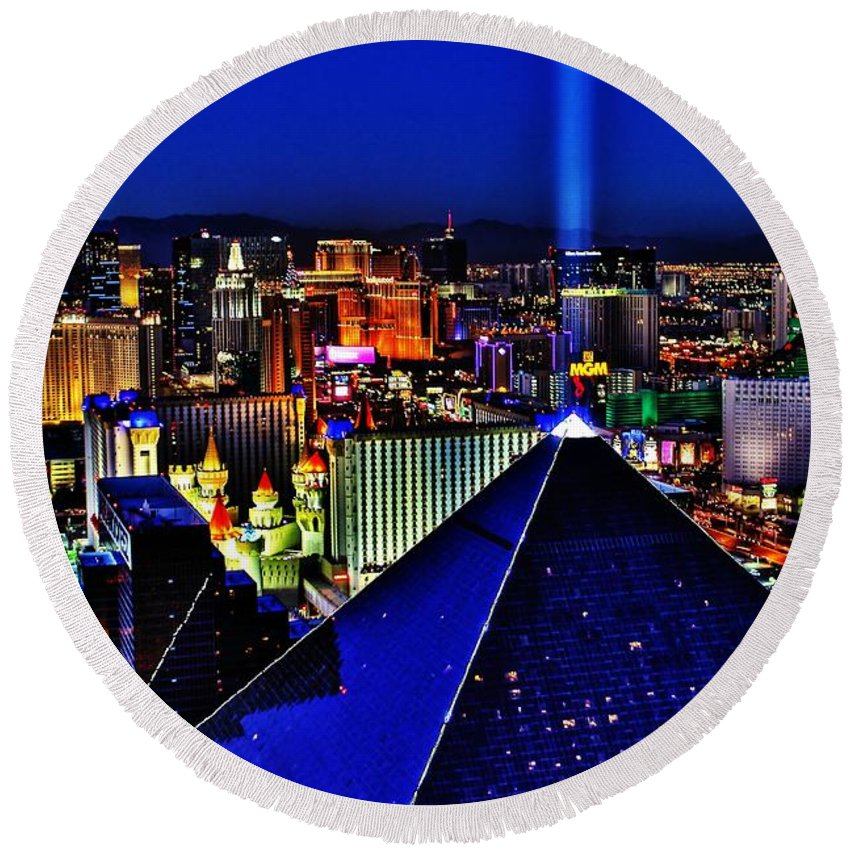 Las Vegas Round Beach Towel featuring the photograph Fabulous Las Vegas by Benjamin Yeager