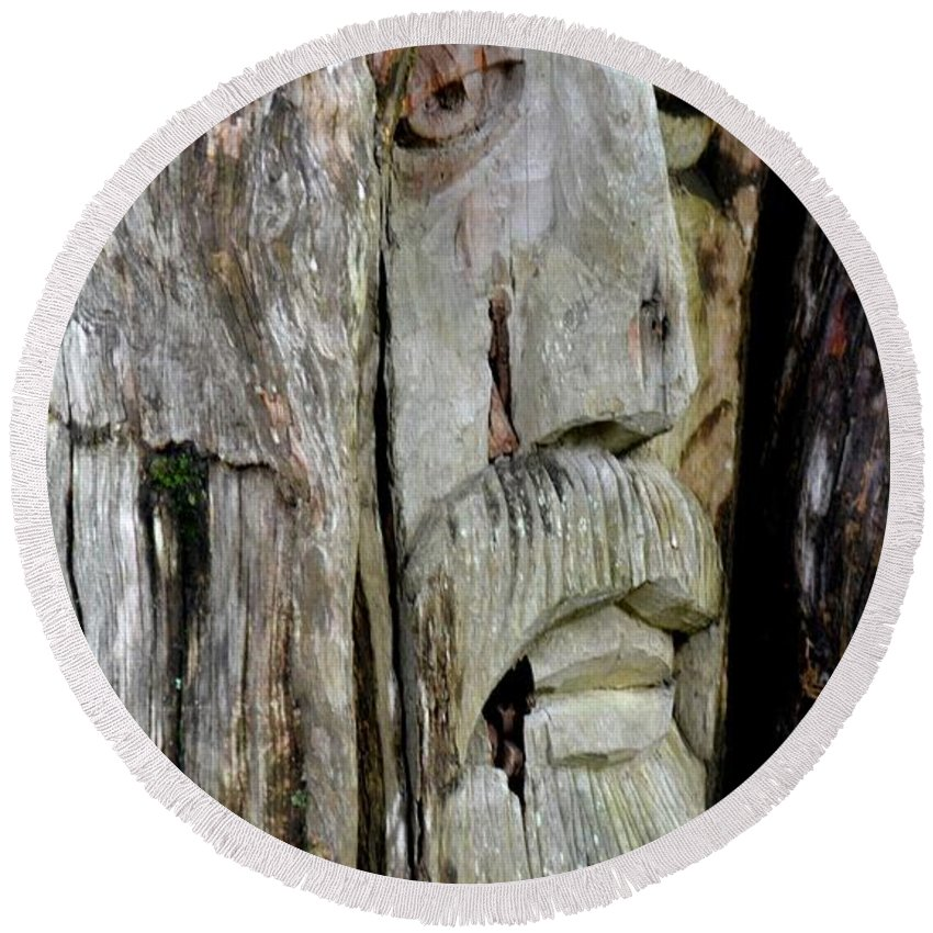 Face In The Forest Round Beach Towel featuring the photograph Face In The Forest by Maria Urso
