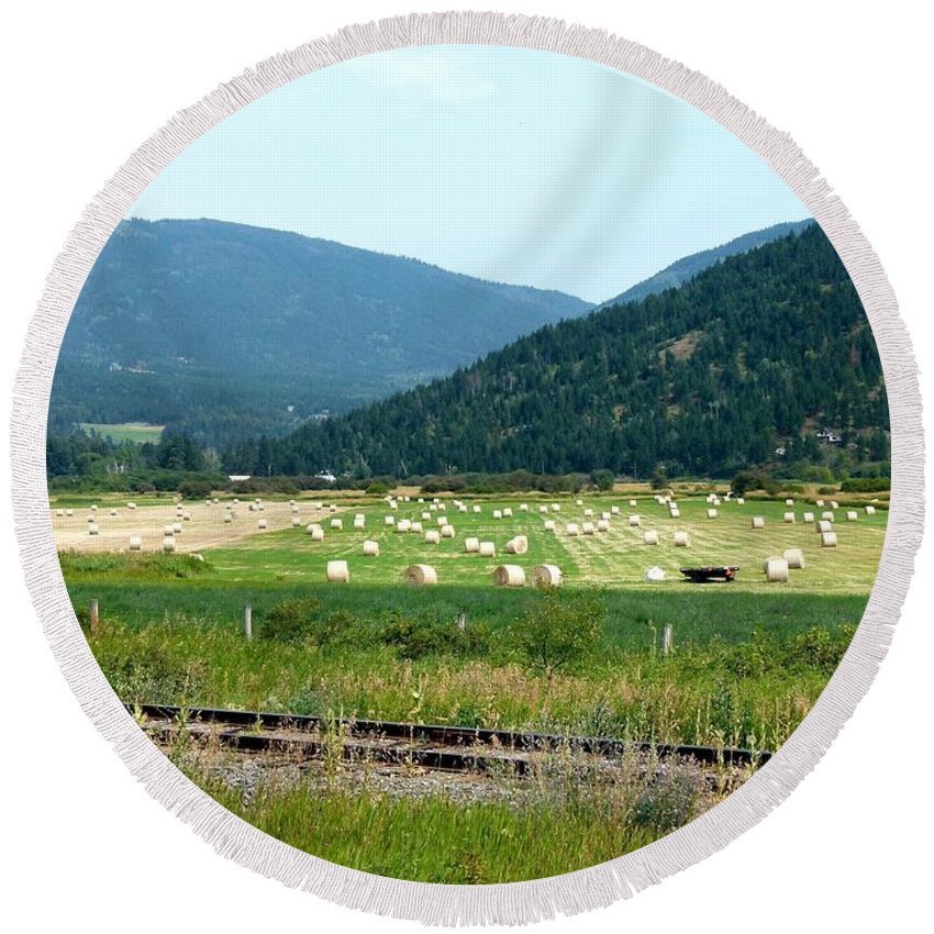 Falkland Hay Bales Round Beach Towel featuring the photograph Falkland Hay Bales by Will Borden