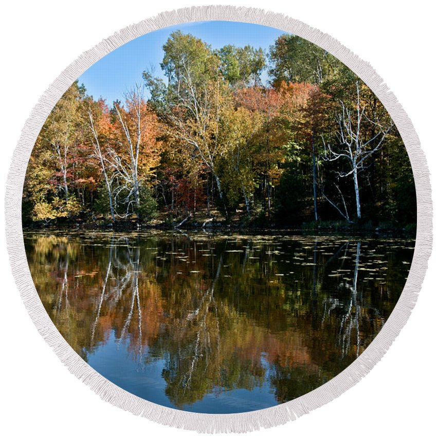 Round Beach Towel featuring the photograph Fall Colors by Cheryl Baxter
