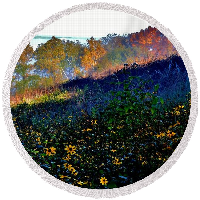 Fall Colors Round Beach Towel featuring the photograph Fall On Garvin Heights by Susie Loechler