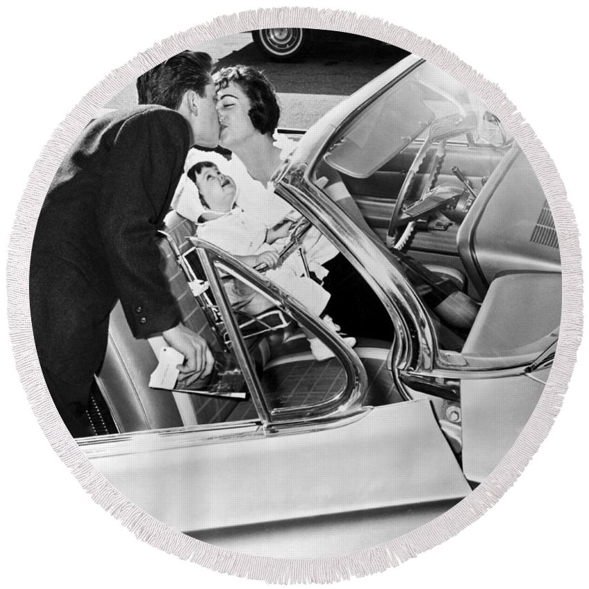 1956 Round Beach Towel featuring the photograph Family Kiss by Underwood Archives