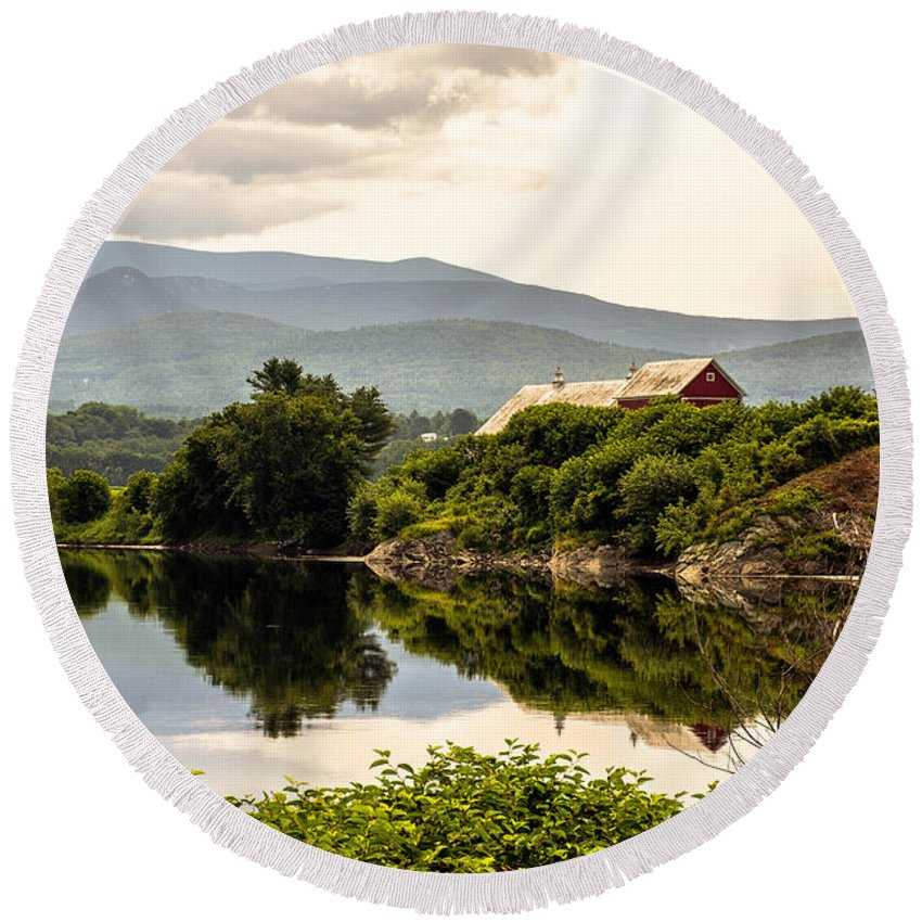 Connecticut River Round Beach Towel featuring the photograph Farm By The Connecticut by Sherman Perry