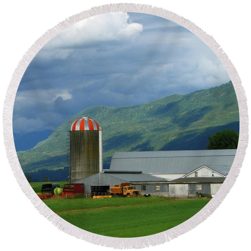Farm Round Beach Towel featuring the photograph Farm In The Valley by Ann Horn