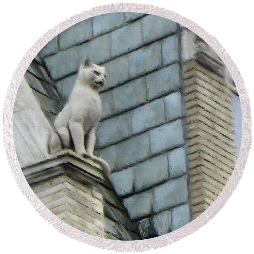 Architecture Round Beach Towel featuring the painting Feline Sentry by Jeffrey Kolker