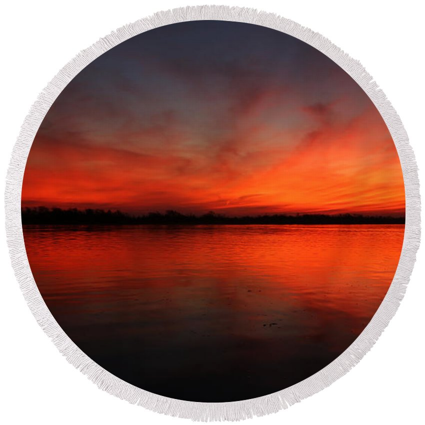 Port Neches Round Beach Towel featuring the photograph Fire On The River by Judy Vincent