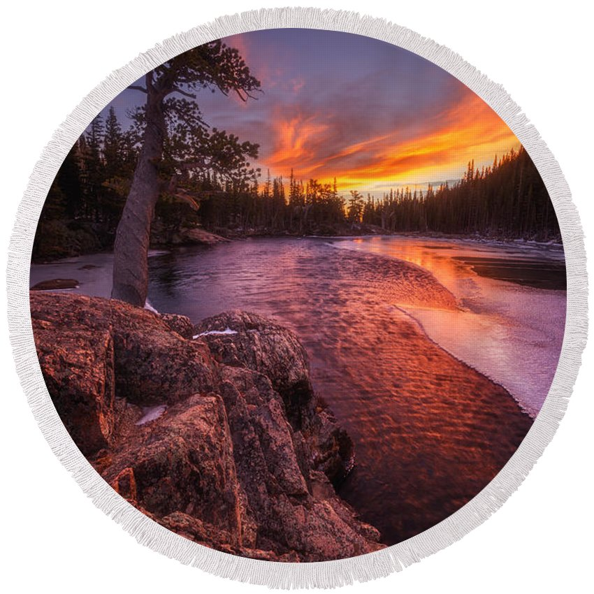 Sunrise Round Beach Towel featuring the photograph First Light by Darren White