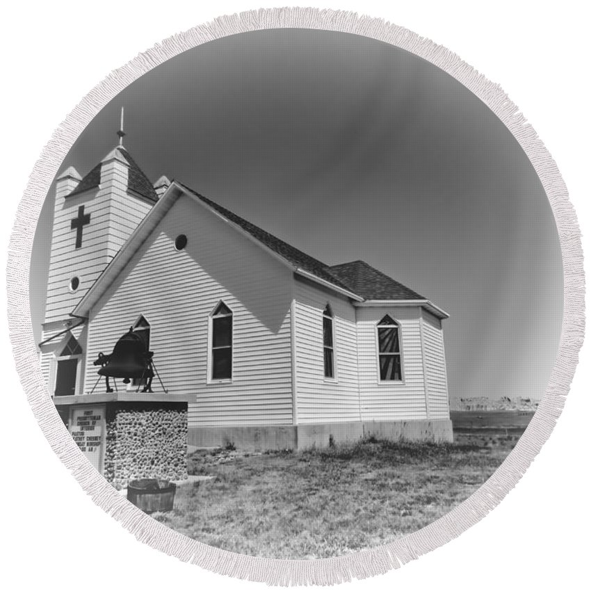 Church Round Beach Towel featuring the photograph First Presbyterian Church by Cathy Anderson