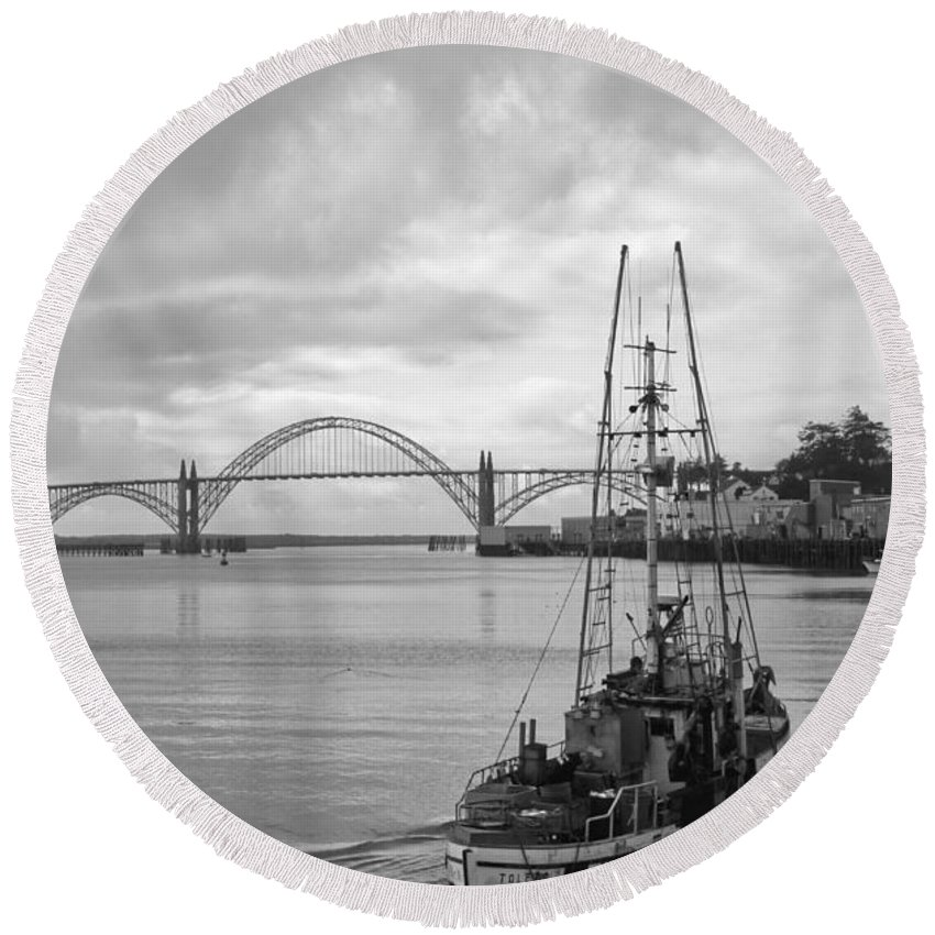 Yaquina Bay Bridge Round Beach Towel featuring the photograph Fisherman At Newport Bay In Oregon by Athena Mckinzie