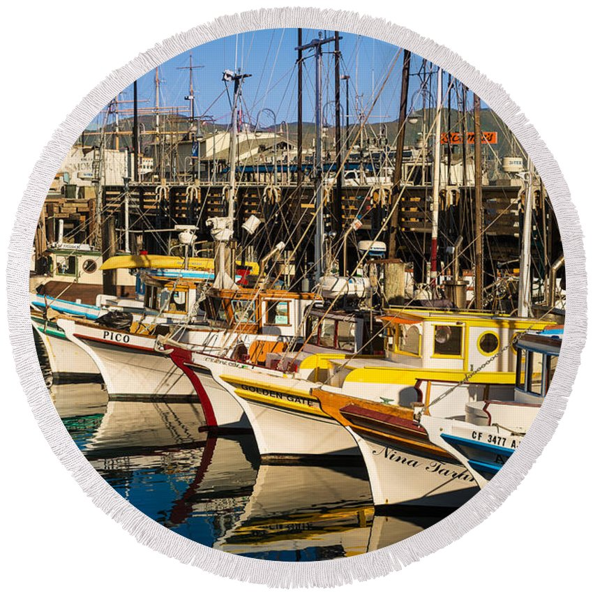 Fisherman Round Beach Towel featuring the photograph Fishermans Wharf San Francisco by Steve Gadomski