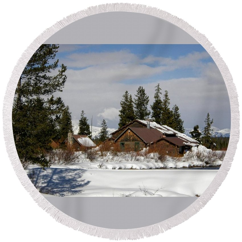 Island Park Round Beach Towel featuring the photograph Fishing Lodge In The Winter by Image Takers Photography LLC - Carol Haddon