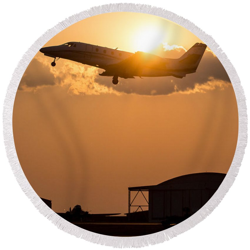 Aircraft Round Beach Towel featuring the photograph Flying Home by Paul Job