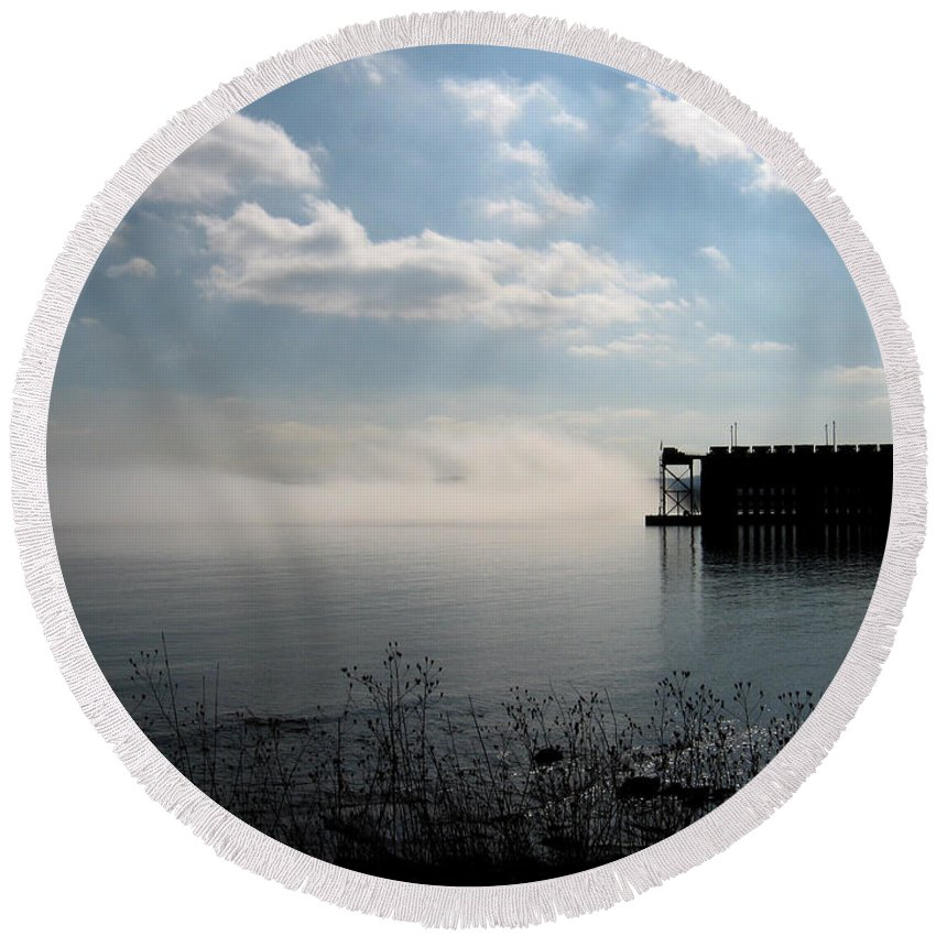 Lake Superior Round Beach Towel featuring the photograph Fog Rolls In by Kim Ruley