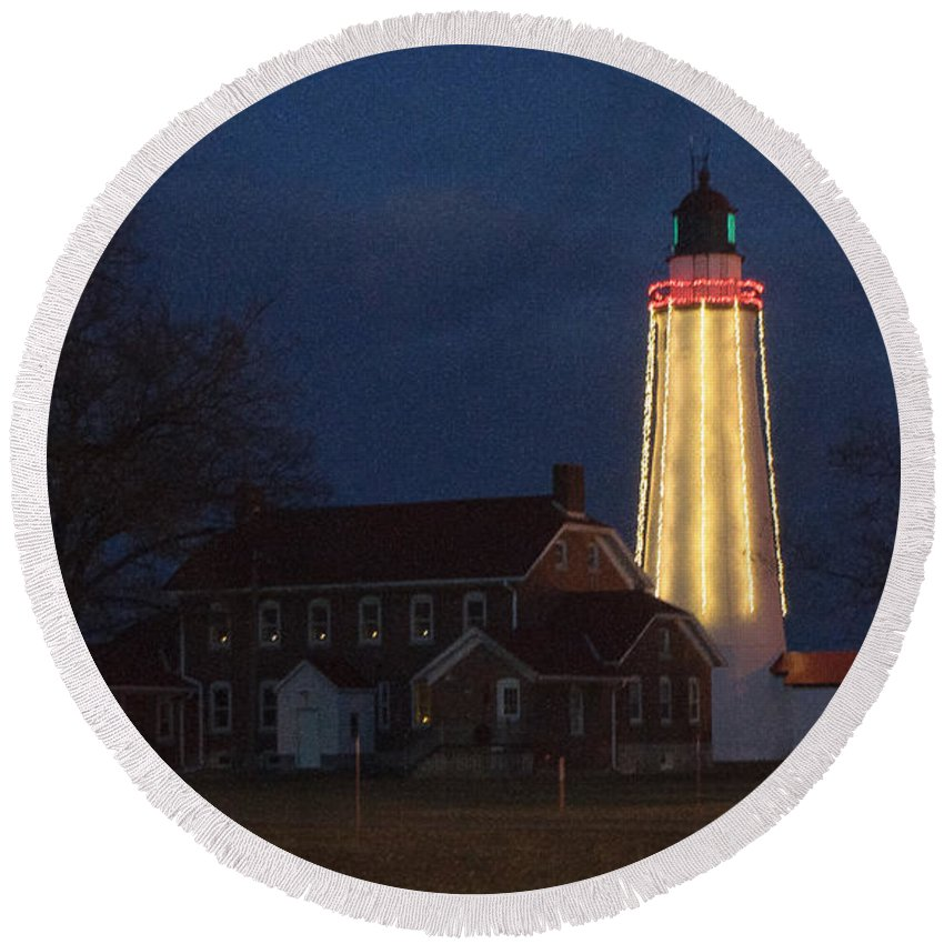 Lighthouse Round Beach Towel featuring the photograph Fort Gratiot Lighthouse And Buildings by Ronald Grogan