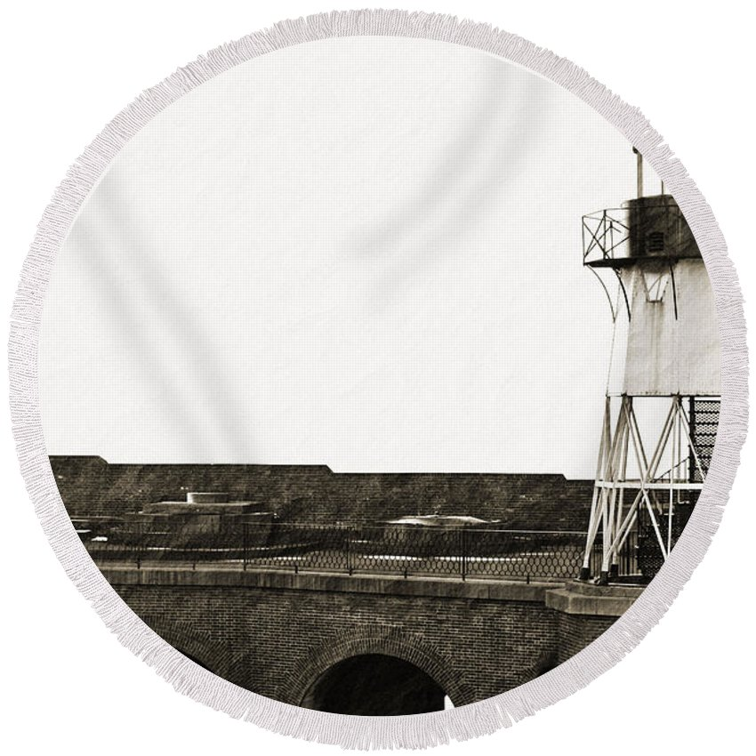 Brick Round Beach Towel featuring the photograph Fort Point Lighthouse by Holly Blunkall