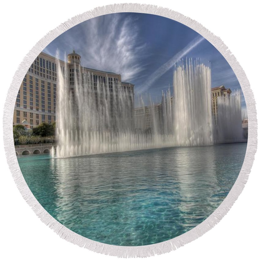 Las Round Beach Towel featuring the photograph Fountains Of Paradise by Chance Chenoweth