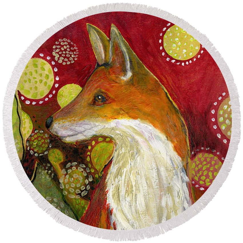 Fox Round Beach Towel featuring the painting Fox Listens by Jennifer Lommers