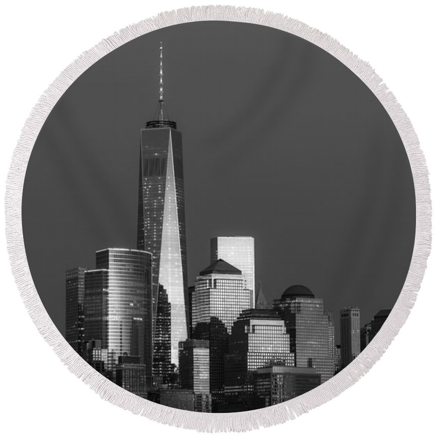 Financial District Round Beach Towel featuring the photograph Freedom Tower Glow Bw by Susan Candelario