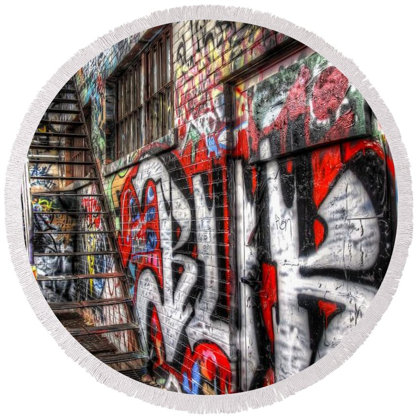 Graffiti Round Beach Towel featuring the photograph Freestyle Walking by Anthony Wilkening