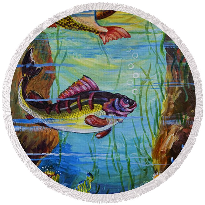 Ithaca Round Beach Towel featuring the photograph Fresh Fish by Gillian Singleton