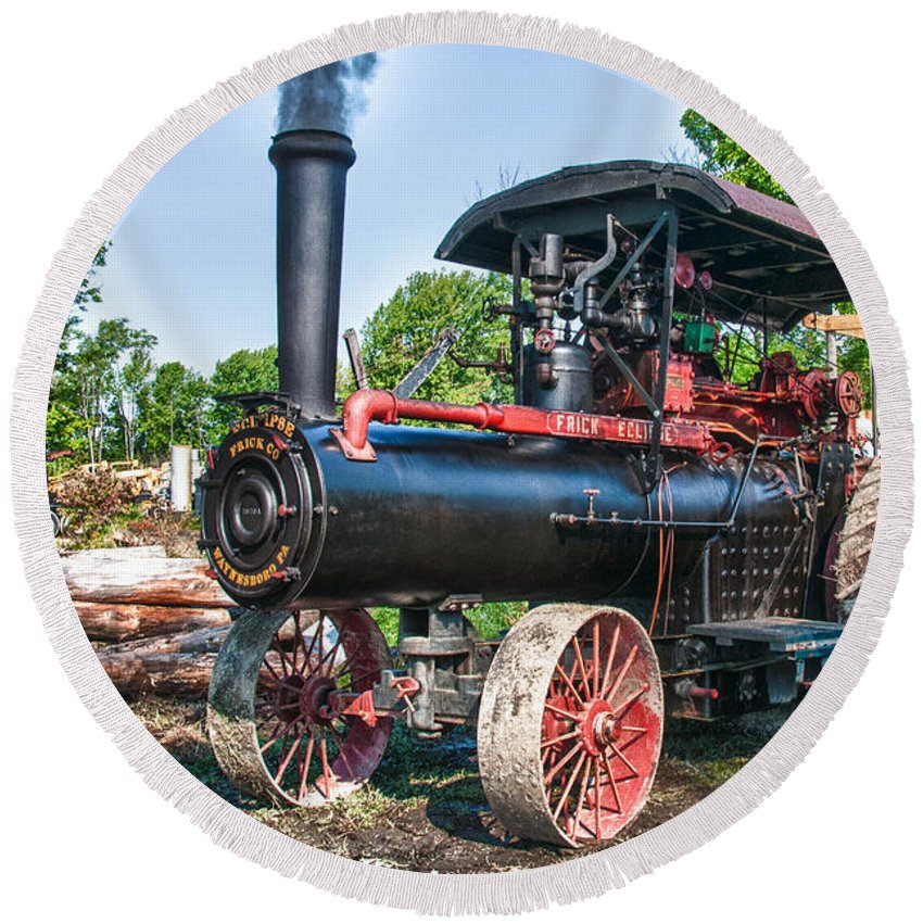 Frick Steam Tractor Round Beach Towel featuring the photograph Frick Steam Tractor by Guy Whiteley