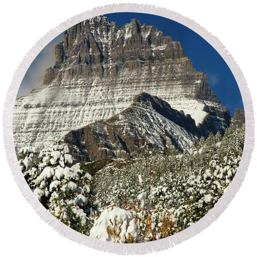Mt Wilbur Round Beach Towel featuring the photograph Frigid At The Peak by Adam Jewell
