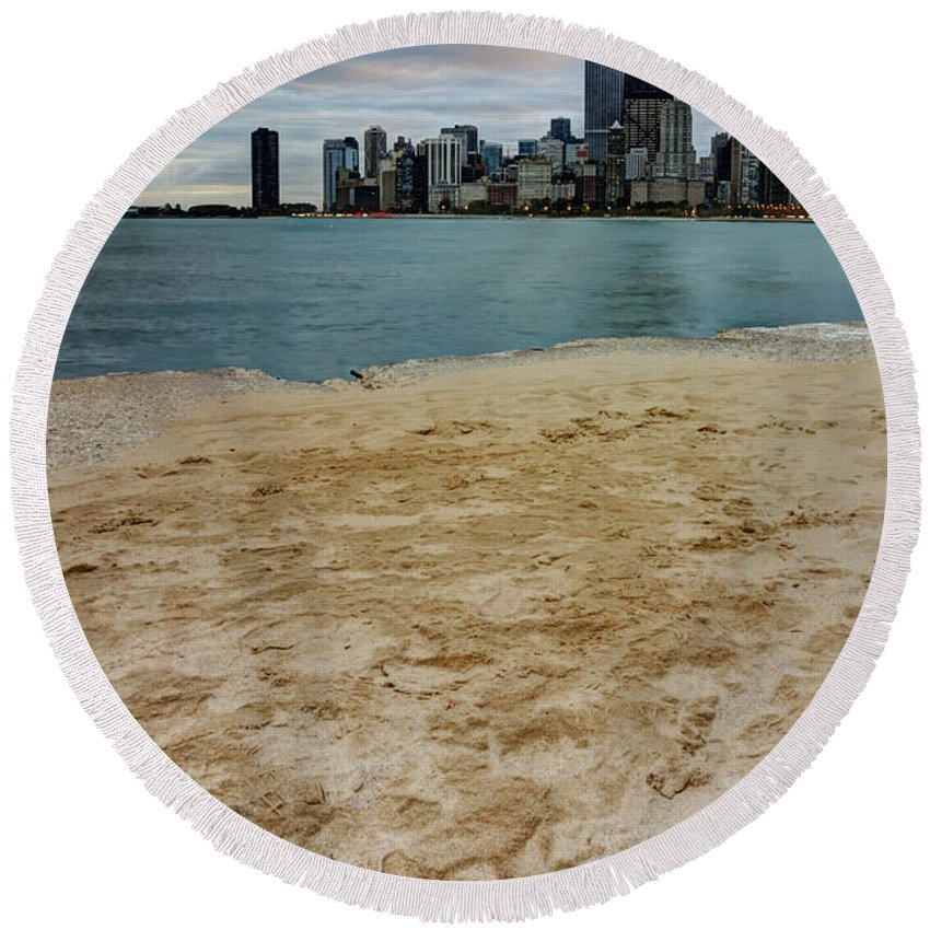 Chicago Round Beach Towel featuring the photograph From North Avenue Beach by Margie Hurwich