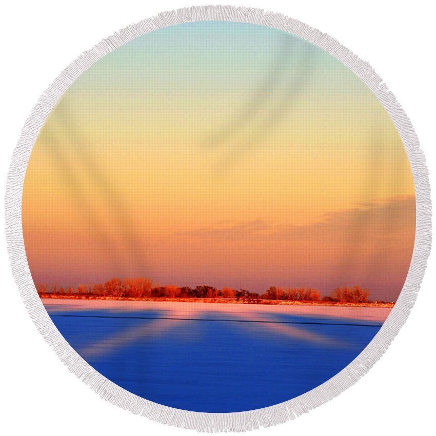 Landscape Round Beach Towel featuring the photograph Frozen Lake by Pam Romjue