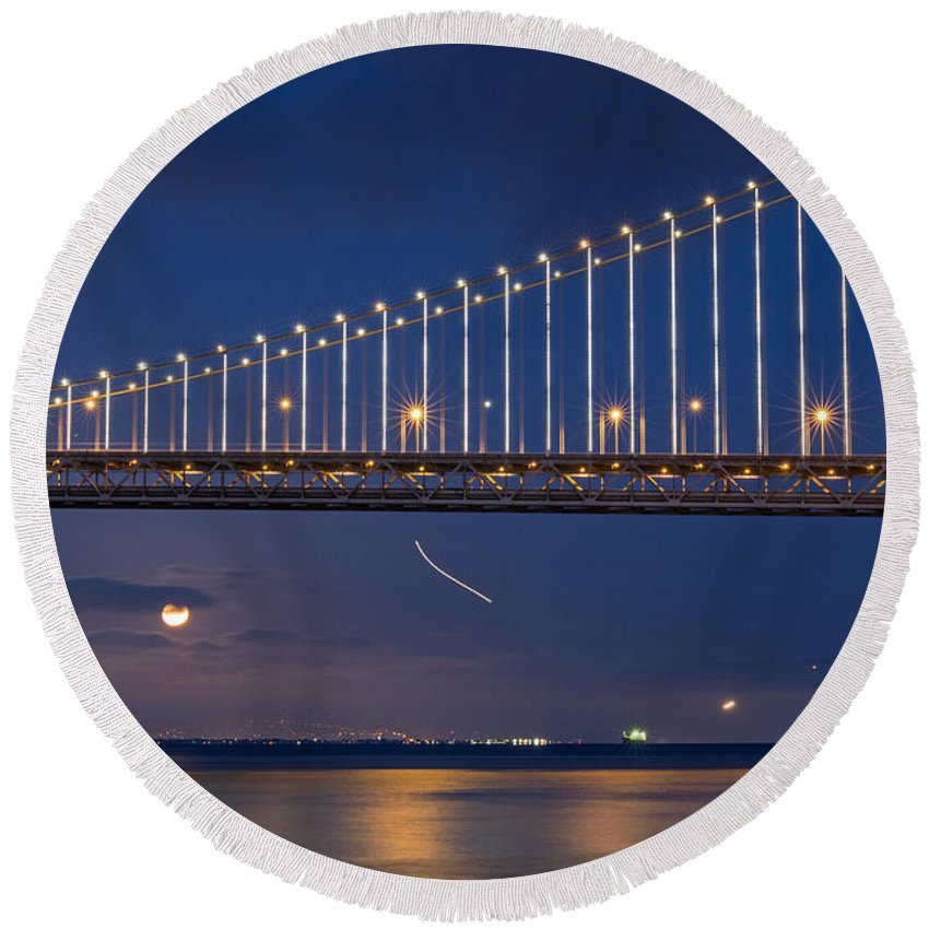 Bay Bridge Round Beach Towel featuring the photograph Full Moon Rising by Kate Brown