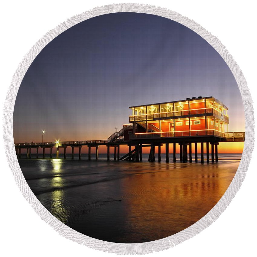 Texas Round Beach Towel featuring the photograph Galveston Fishing Pier 2am-108856 by Andrew McInnes