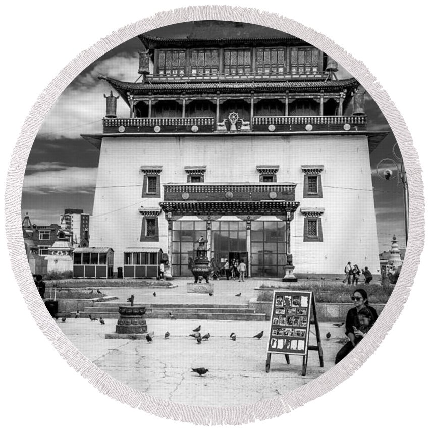 Gandantegchenling Round Beach Towel featuring the photograph Gandantegchenling Monastery by Andrew Matwijec
