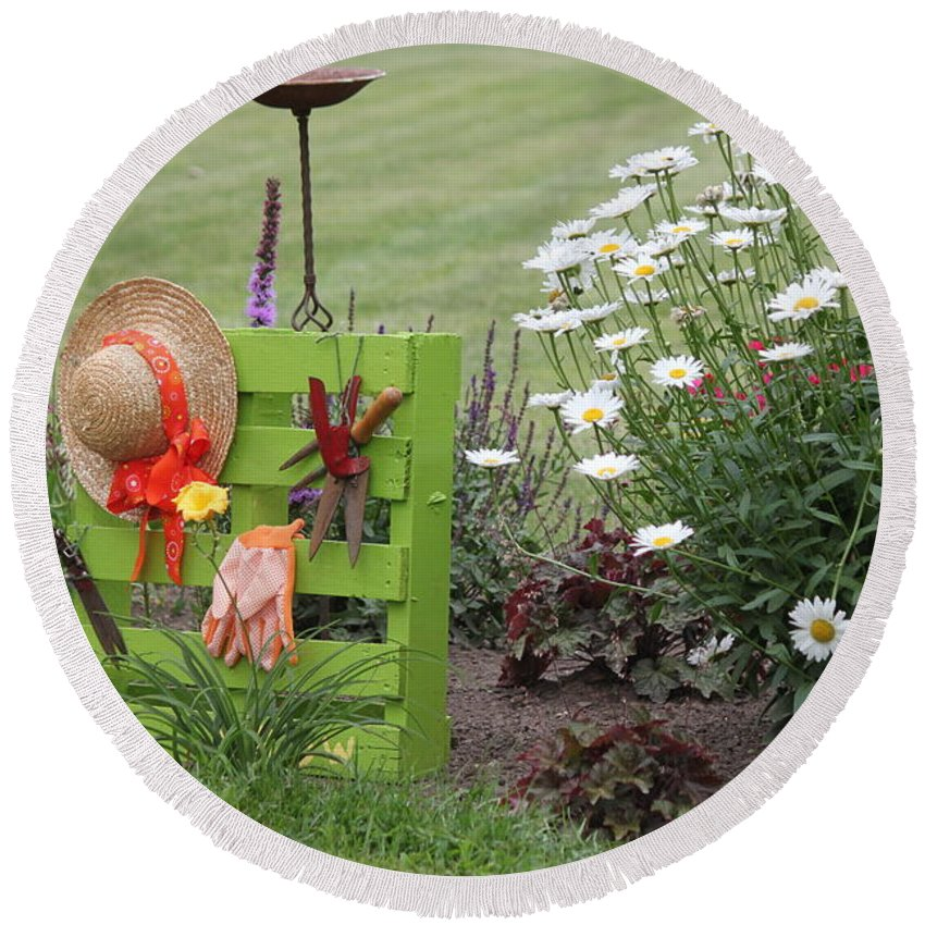 Garden Round Beach Towel featuring the photograph Garden by Dan Young