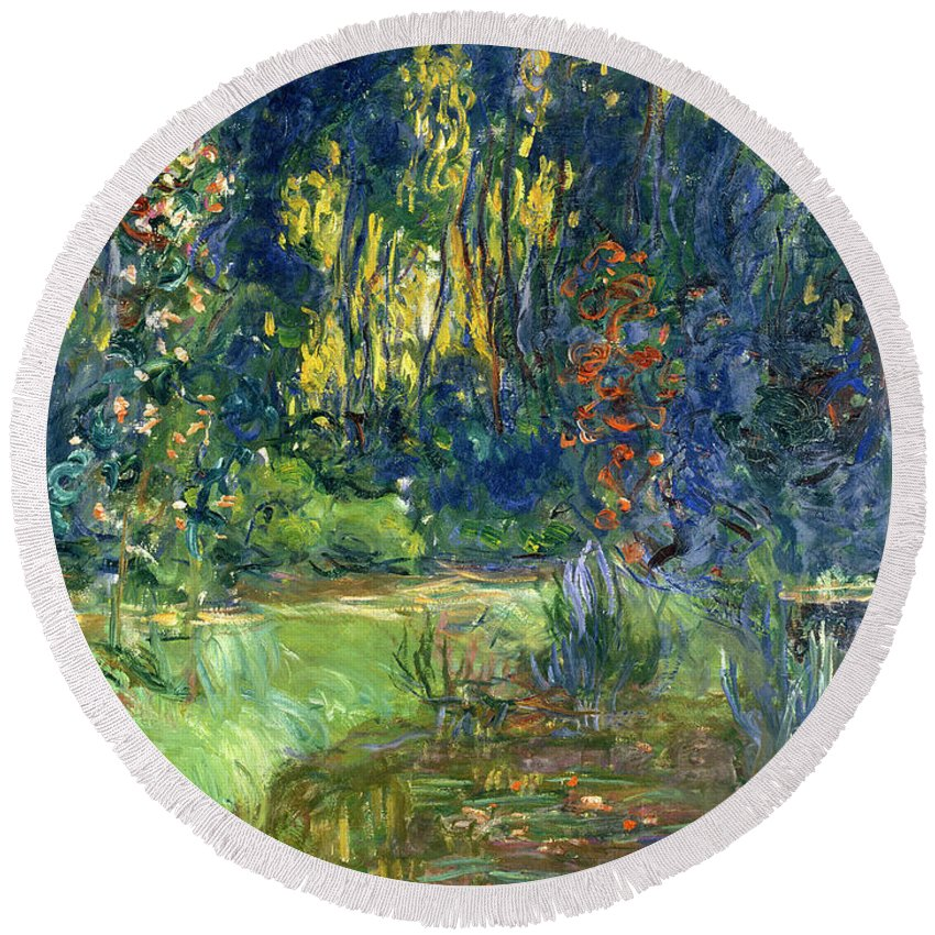 Pond; Impressionist Round Beach Towel featuring the painting Garden Of Giverny by Claude Monet