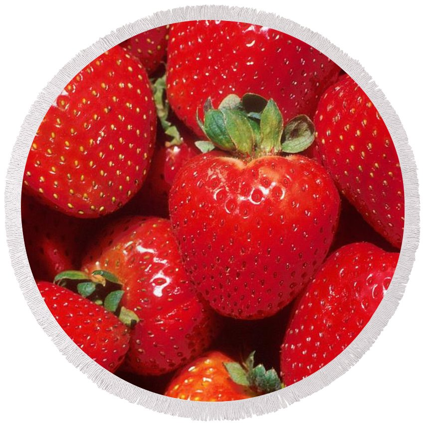 Garden Strawberry Round Beach Towel featuring the photograph Garden Strawberries by Taiche Acrylic Art