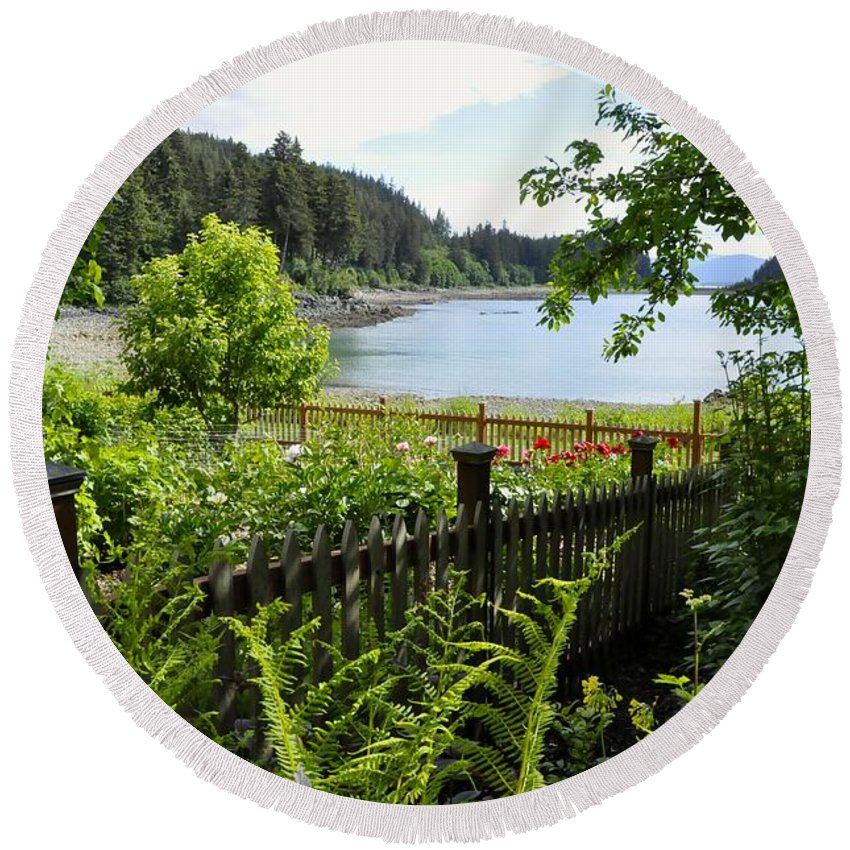 Garden Round Beach Towel featuring the photograph Garden With A View by Cathy Mahnke