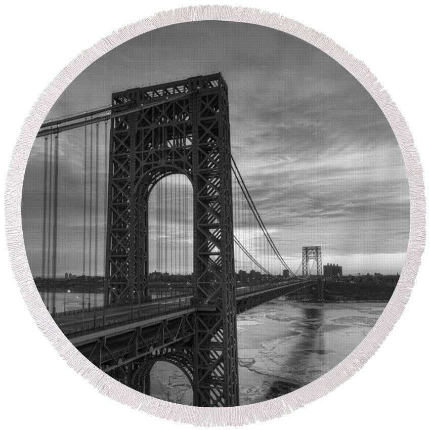 Gw Bridge Winter Sunrise Round Beach Towel featuring the photograph George Washington Bridge by Michael Ver Sprill