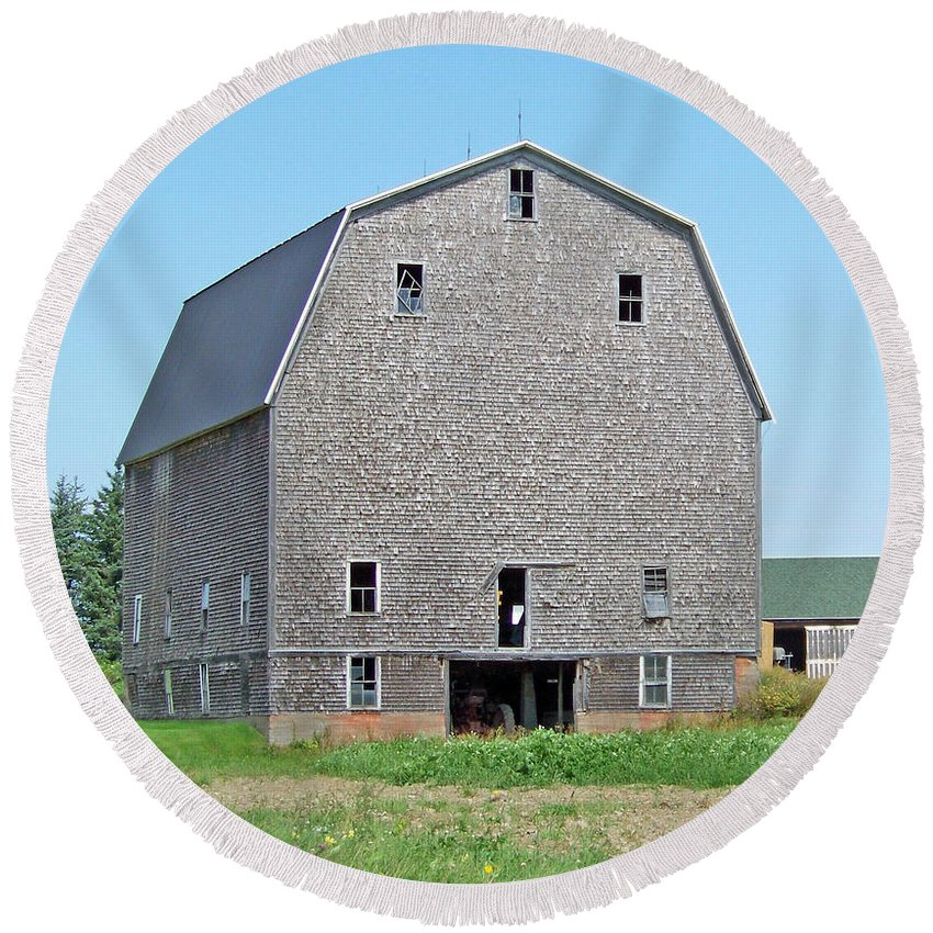 Farm Round Beach Towel featuring the photograph Giant Barn by William Tasker
