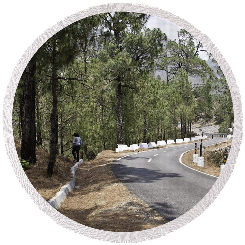 Girl Round Beach Towel featuring the photograph Girl On A Mountain Highway Road by Ashish Agarwal