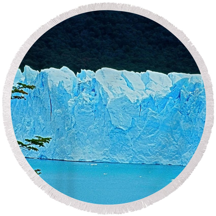 South America Round Beach Towel featuring the photograph Glaciar Perito Moreno - Patagonia by Juergen Weiss