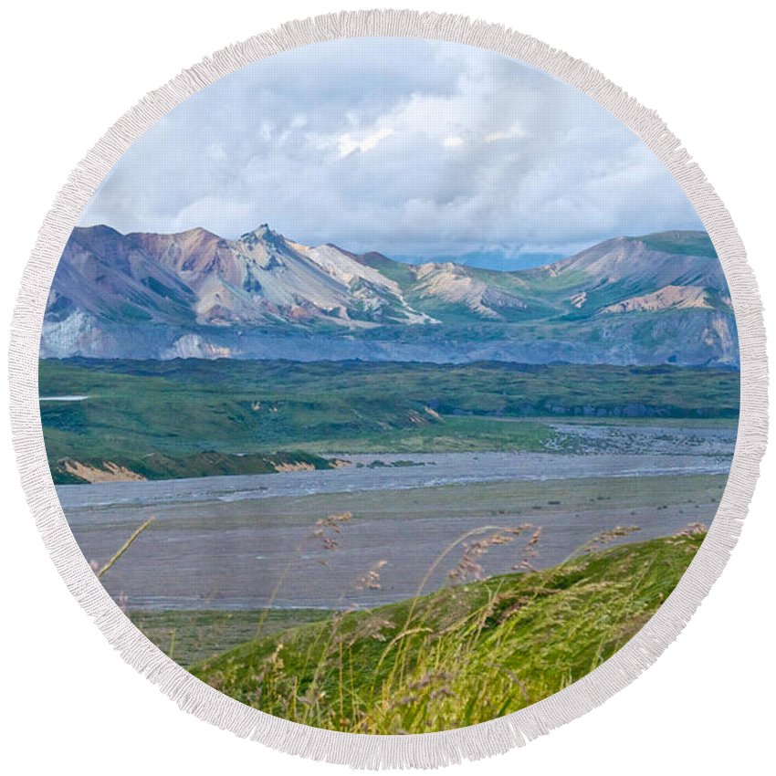 Glaciers And Mountains From Eielson Visitor's Center Round Beach Towel featuring the photograph Glaciers And Mountains From Eielson Visitor's Center In Denali Np-ak by Ruth Hager