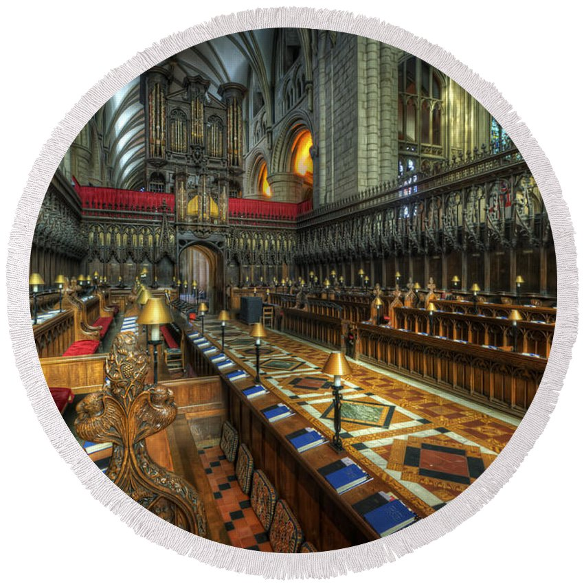 Hdr Round Beach Towel featuring the photograph Gloucester Cathedral Choir by Yhun Suarez