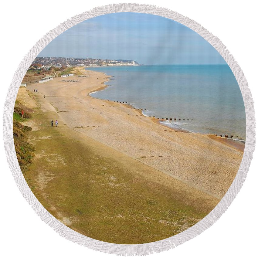 Glyne Round Beach Towel featuring the photograph Glyne Gap Scenic In Sussex by David Fowler