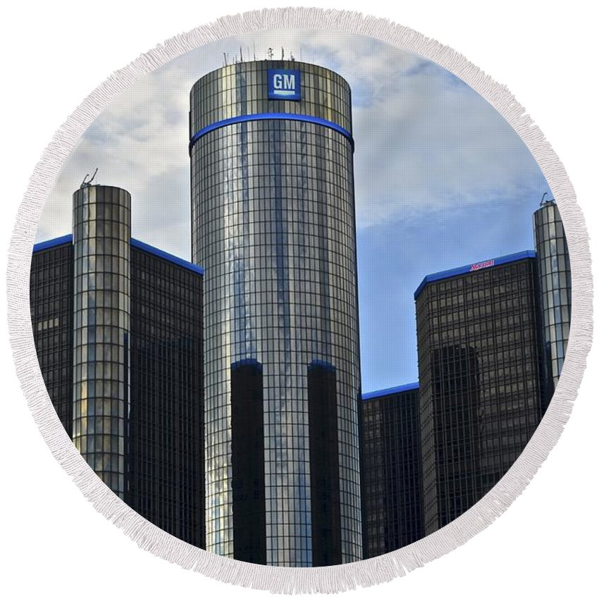 General Round Beach Towel featuring the photograph Gm Building by Frozen in Time Fine Art Photography