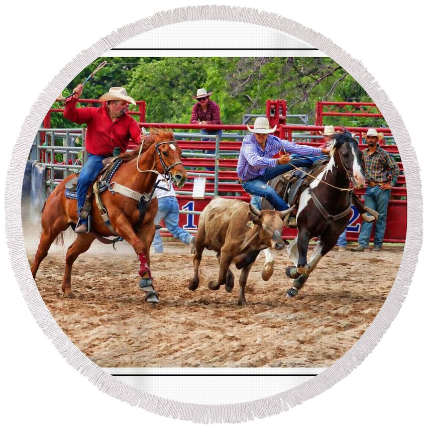 Rodeo Round Beach Towel featuring the photograph Going Down by Alice Gipson