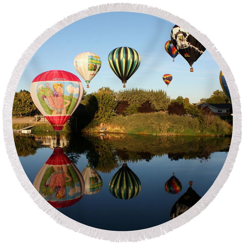 Hot Air Balloons Round Beach Towel featuring the photograph Going For A Dip by Carol Groenen