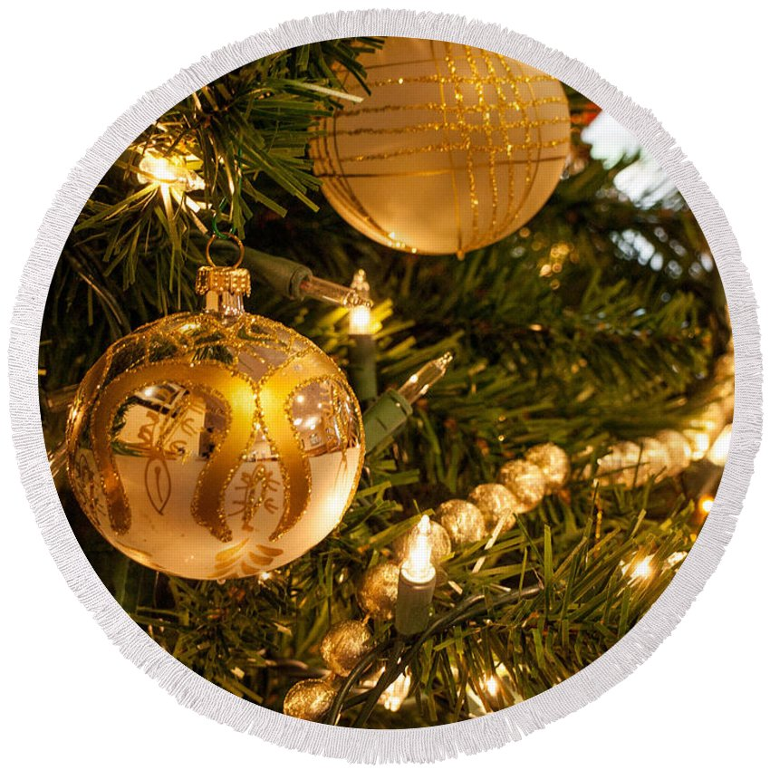 Ornament Round Beach Towel featuring the photograph Golden Ornaments by Cathy Smith