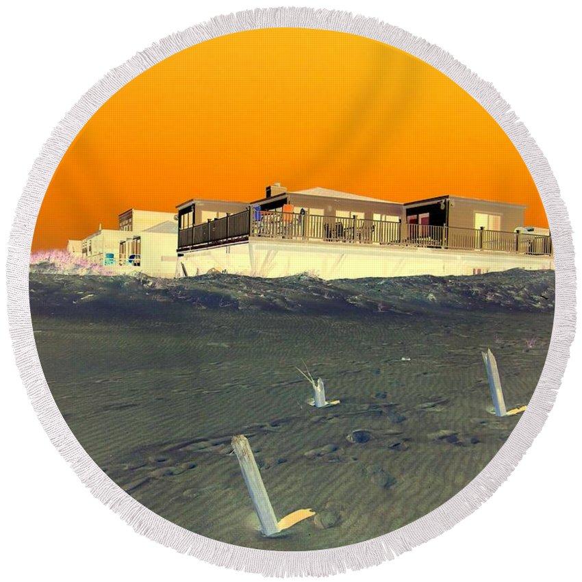 Pop Art Round Beach Towel featuring the photograph Golden Sky by Ed Weidman